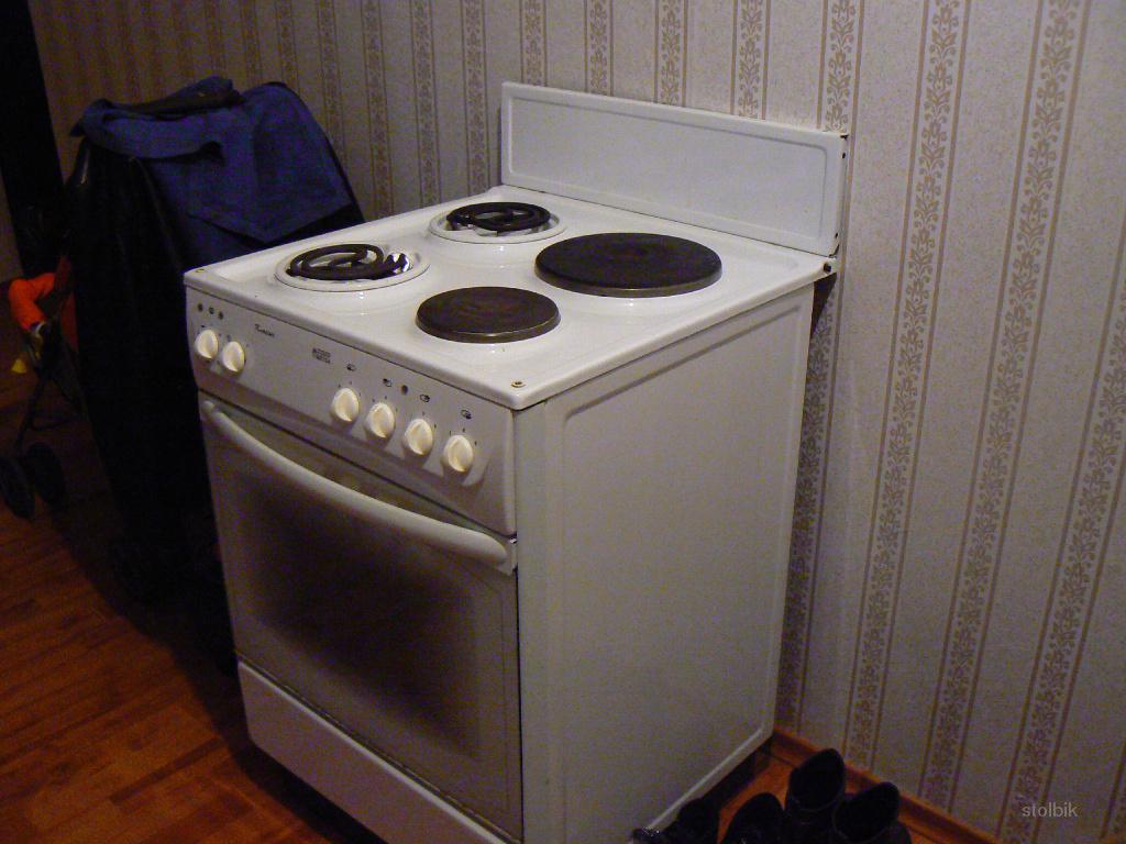 Регион.  Стоимость.  Продам плиту электрическую НОВО ВЯТКА в хорошем состоянии, духовка, все отлично работает.