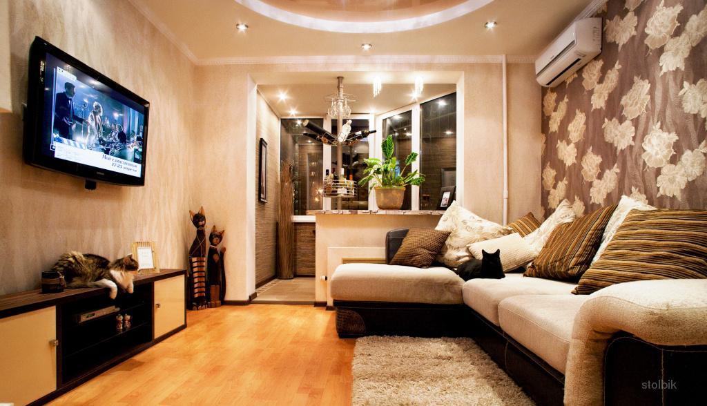 Дизайн маленькой гостиной с лоджией.