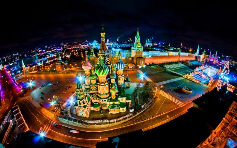 Предлагаются автобусные корпоративные экскурсии для групп от 20 человек: обзорные экскурсии по москве