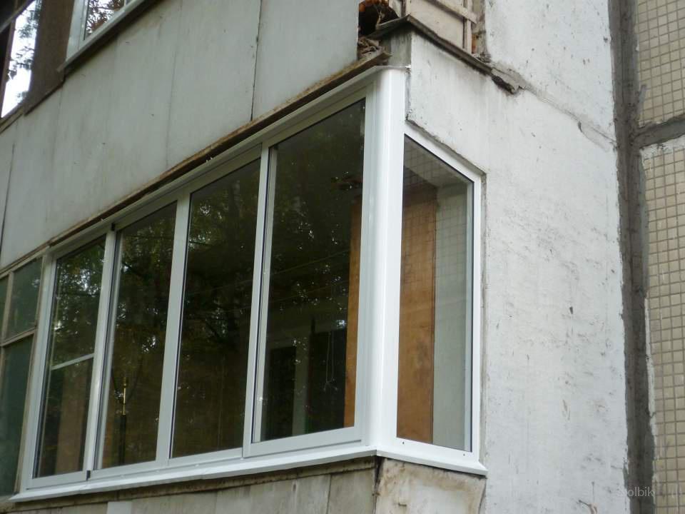 Остеклить балкон по самым низким ценам- ..россия, москва.