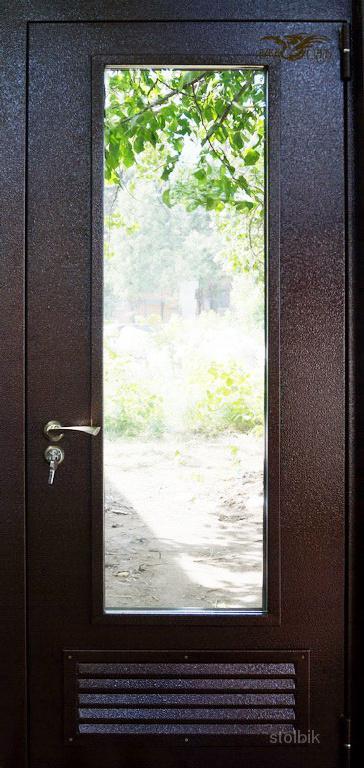 тамбурные металлические двери с вентиляционным окном
